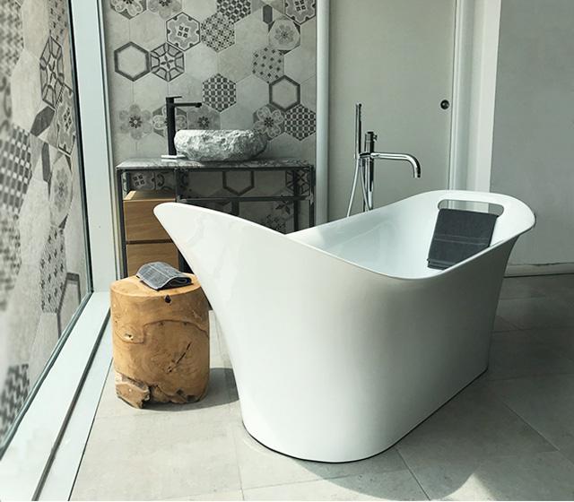 Vasca design centro stanza carezza 160x70 h 75 60 cm - Smaltare vasca da bagno ...