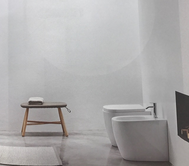 Coppia sanitari moderni a terra Ovvio Nic Design