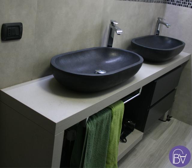 Lavabo particolare da appoggio ovale basalto nero - Lavabo pietra bagno ...
