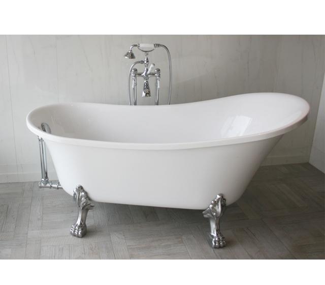 Vasca da bagno retr freestanding con piedini cromati - Vasca da bagno libera installazione ...