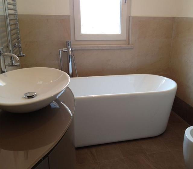 Vasca da bagno freestanding Linea