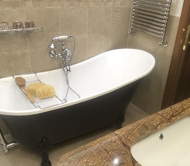 Vasca con piedini vasca da bagno retr color - Vasca da bagno piedini ...
