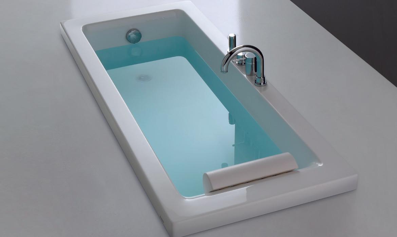 Offerte arredo bagno vasca da bagno sharm for Arredo bagno offerte
