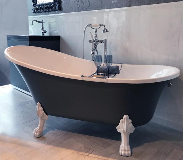 Vasca da bagno retr color freestanding con piedini cromati for Vasca da bagno freestanding