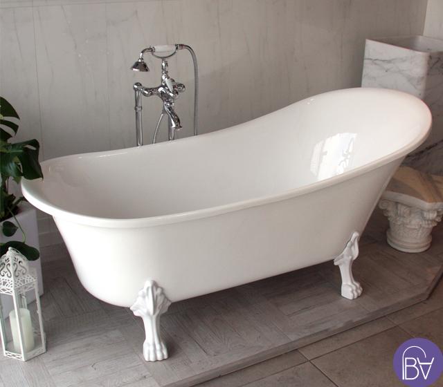 Vasca da bagno con piedini stile retr con piedini bianchi - Supporto per vasca da bagno ...
